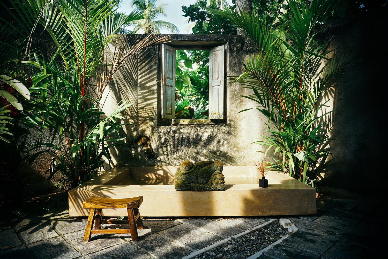 Villa-Kumara-Sri-Lanka-+Greg-Mo-Exterior-Bath-Villa
